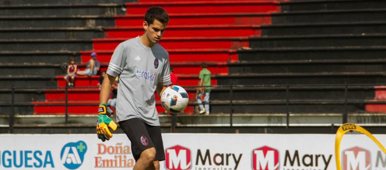 Carlos Olses en un entrenamiento con Deportivo La Guaira, su equipo en Venezuela.