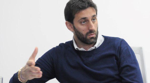 """""""Hoy no sé si Centurión va a volver a vestir la camiseta de Racing. Sí creo que está arrepentido"""" dijo Diego Milito."""