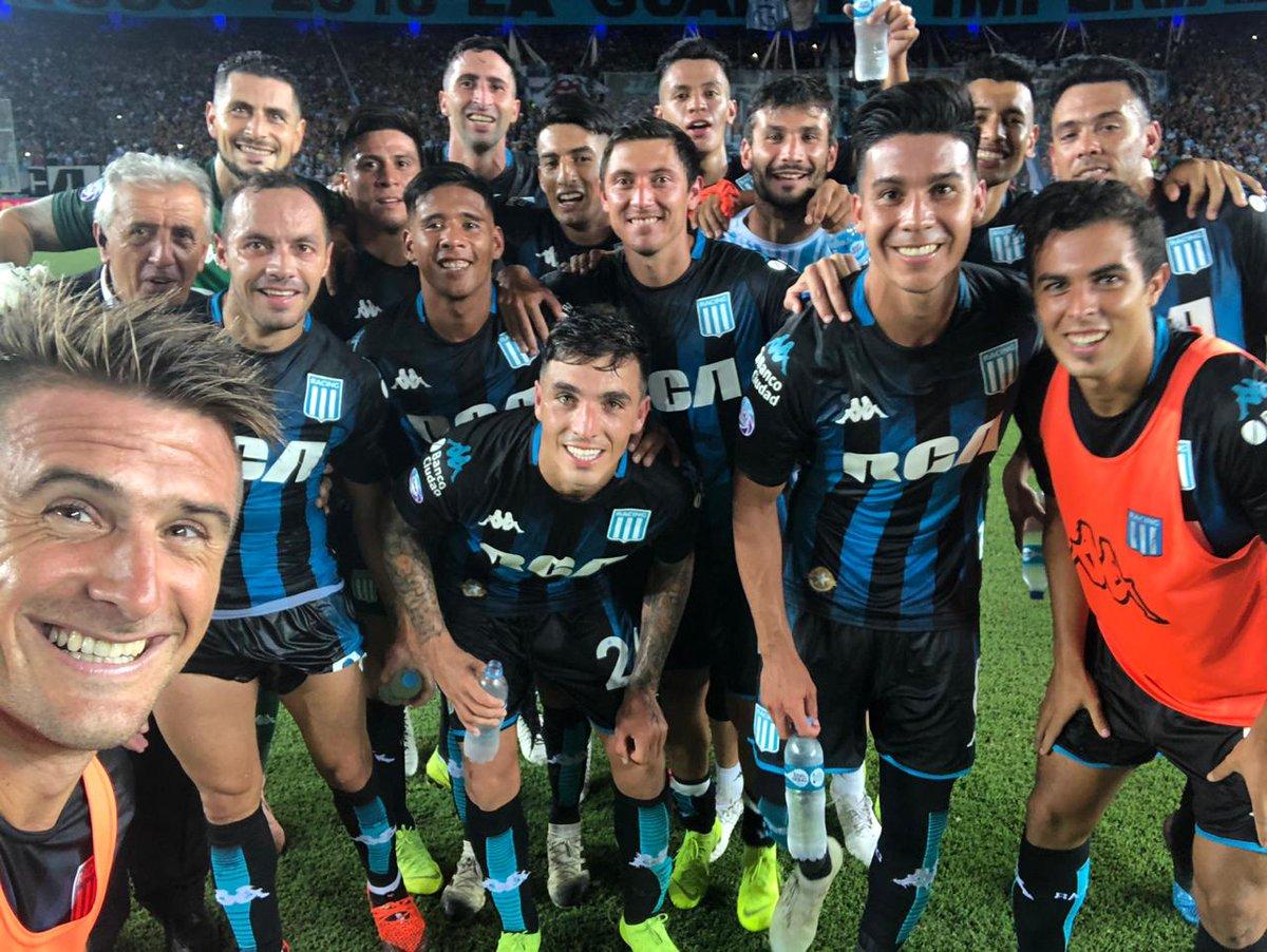 Pillud sacó la selfie de la victoria vs Godoy Cruz.