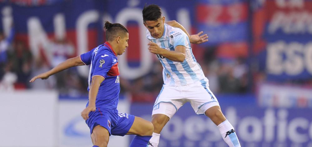 A Racing le costó la primera mitad vs Tigre.