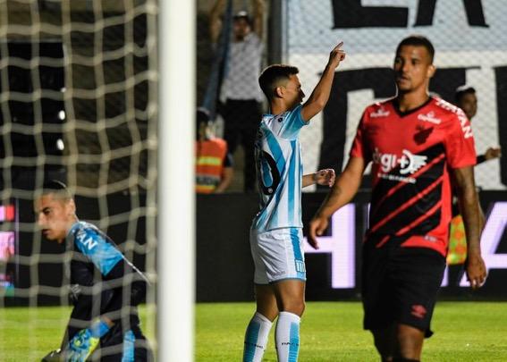 Rojas y Fértoli los goles de la Academia. García atajó 4 en los penales.