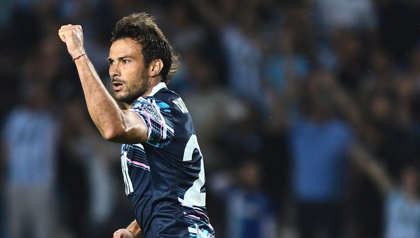 En medio de los rumores por una posible salida, Cvitanich se perfila para jugar vs. Argentinos.