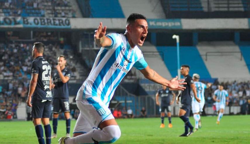 Mauricio Martínez convirtió su primer gol con la camiseta de Racing.