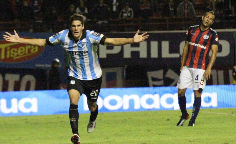 De Paul festeja su gol frente a San Lorenzo.