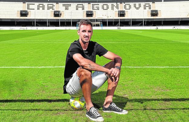 Pablo actualmente juega en el Cartagena de España.