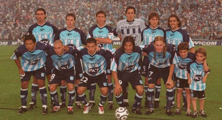 """""""Salvo Milito, no hay fotos de los jugadores Campeones en el 2001 en el Tita"""", enfatizó Maxi."""