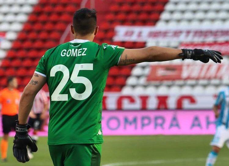 Gómez y Solari las figuras del empate en la Plata. Foto: Racing Club.
