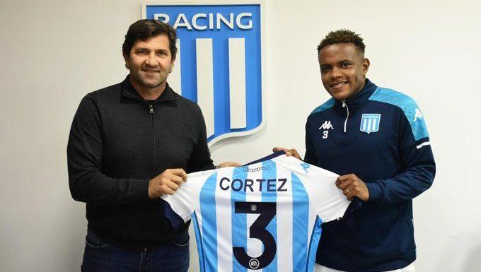 Córtez firmó su contrato con Racing. Foto: Racing Club.